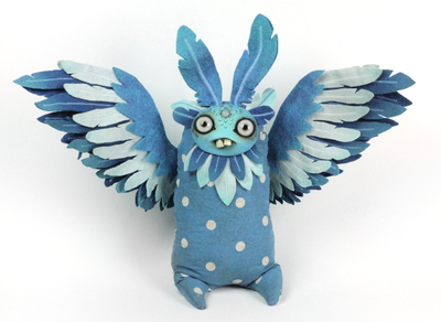 Blueberry_blue_jay-amanda_louise_spayd-dust_bunnies-trampt-291248m