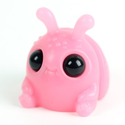Strawberry_milk_weebeetle-chris_ryniak-resin-self-produced-trampt-291536m