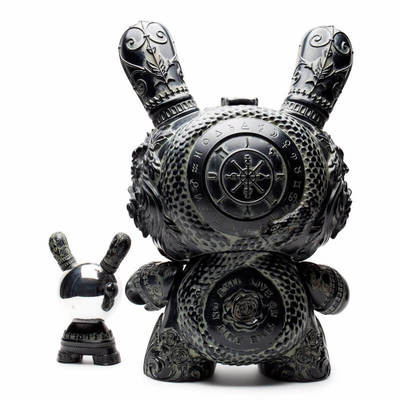 20_arcane_divination_the_clairvoyant_-_antique_black-jryu_jryu-dunny-kidrobot-trampt-291564m