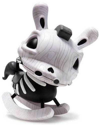 8_grayscale_the_death_of_innocence-igor_ventura-dunny-kidrobot-trampt-291719m