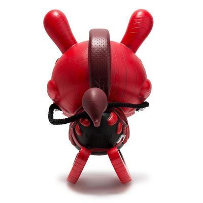 8_red_aged_bone_the_death_of_innocence-igor_ventura-dunny-kidrobot-trampt-291724m