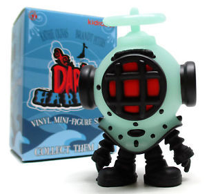 Heavy_footer_gid-brandt_peters_kathie_olivas-dark_harbor-kidrobot-trampt-292003m