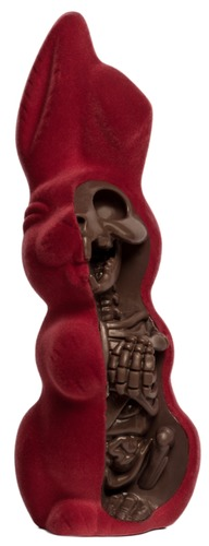 Anatomical_easter_bunny_-_red_velvet-jason_freeny-anatomical_easter_bunny-mighty_jaxx-trampt-292032m