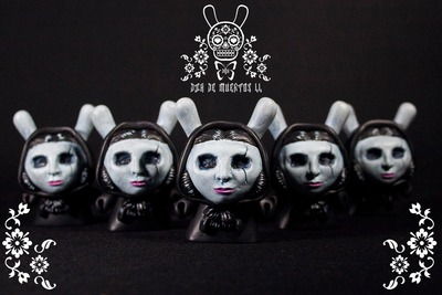 The_lady_in_black-tadeo_mendoza-dunny-self-produced-trampt-292519m