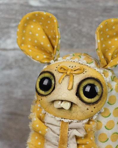 Lemon_cream_dust_bunny-amanda_louise_spayd-dust_bunny-self-produced-trampt-292917m