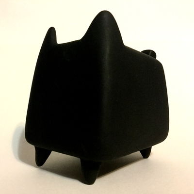 Diy_boxcat_black_by_rato_kim-rato_kim-boxcat-discordia_merchandising-trampt-293488m