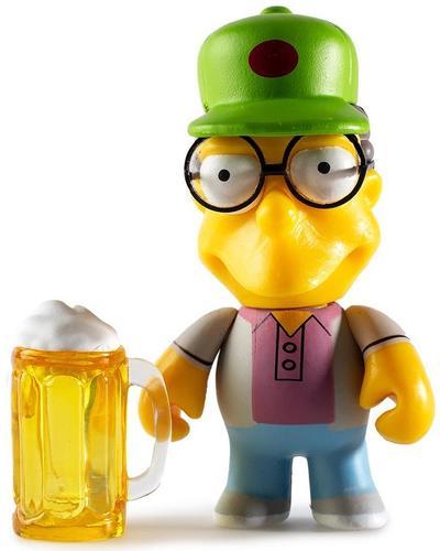 Sam_with_beer_mug-matt_groening-simpsons-kidrobot-trampt-294455m