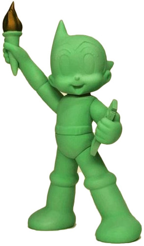 Gid_green_statue_of_liberty_astro_boy_nycc_18-keithing_keith_poon-statue_of_liberty_astro_boy-toyqub-trampt-295087m