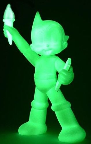 Gid_green_statue_of_liberty_astro_boy_nycc_18-keithing_keith_poon-statue_of_liberty_astro_boy-toyqub-trampt-295088m