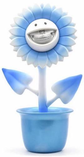 Blue_ice_shocking_sunflower_bone_grin-ron_english-shocking_sunflower-made_by_monsters-trampt-295456m