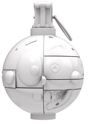 Glossy_white_frankenbob-nathan_cleary-spongrenade-pobber_toys-trampt-295941m