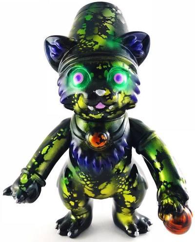 Cosmos_witch_cat_lulu-obsessed_panda_michael_devera-witch_cat_lulu-trampt-296242m