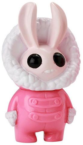 Pink_snowshoe-amanda_louise_spayd-snowshoe-tomenosuke__cp-trampt-296397m