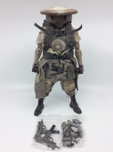 Sunday_morning_adventure_pack_zombot-ashley_wood-sunday_morning-threea_3a-trampt-296765m