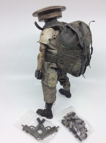 Sunday_morning_adventure_pack_zombot-ashley_wood-sunday_morning-threea_3a-trampt-296766m