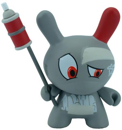 Dunny_-_mews_graffiti-mr_shane_jessup-dunny-kidrobot-trampt-298908m