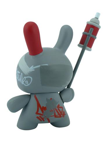 Dunny_-_mews_graffiti-mr_shane_jessup-dunny-kidrobot-trampt-298909m