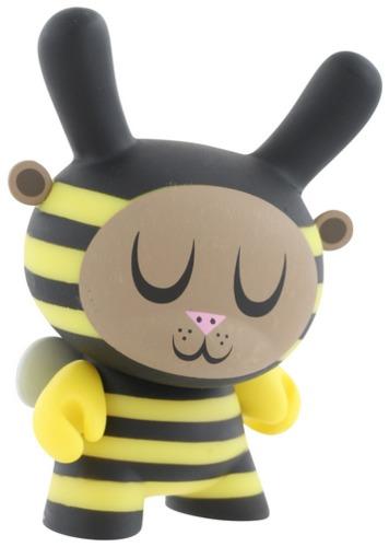 Bumble_bee-amanda_visell-dunny-kidrobot-trampt-298989m