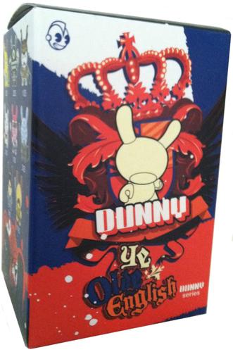 Uamou-uamou_ayako_takagi-dunny-kidrobot-trampt-299058m