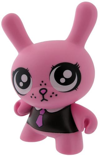 Pink-fawn_gehweiler-dunny-kidrobot-trampt-299148m