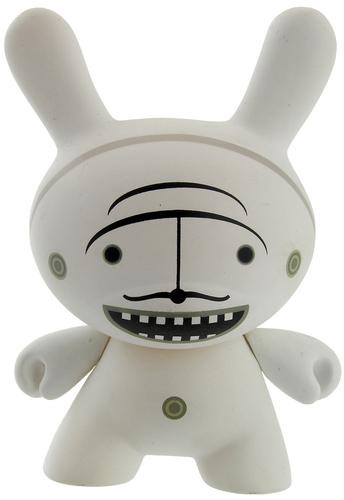Moustache_white-dalek_james_marshall-dunny-kidrobot-trampt-299329m