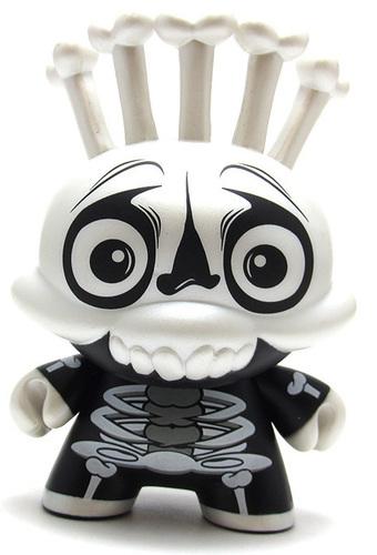 Skeleton_costume-scribe-dunny-kidrobot-trampt-299356m