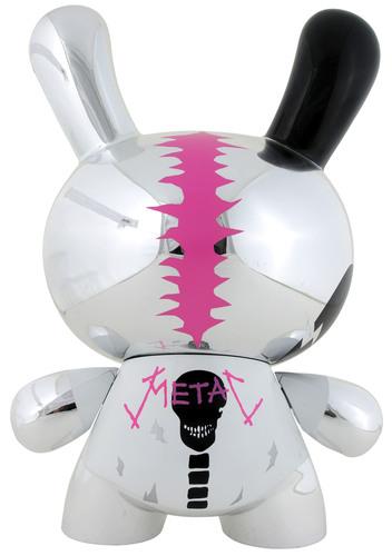 Metal_d_-_silver-mad_barbarians-dunny-kidrobot-trampt-299416m