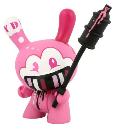 Tag_team_-_pink-tristan_eaton-dunny-kidrobot-trampt-299497m
