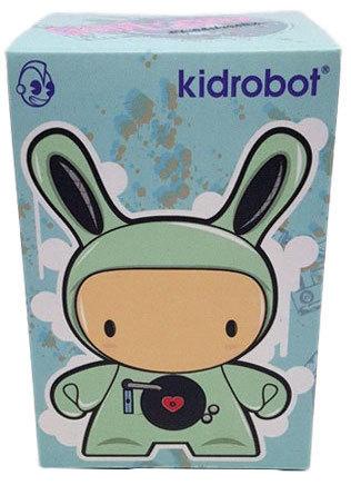 Boombox_blue-juan_muniz-dunny-kidrobot-trampt-299674m