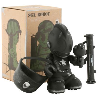 Sgt_robot_army_black_-_kidrobot_17-dave_white-kidrobot_mascot-kidrobot-trampt-299718m