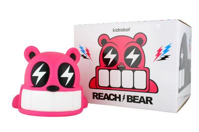Reach_bear_-_pink-reach-reach_bear-kidrobot-trampt-299892m