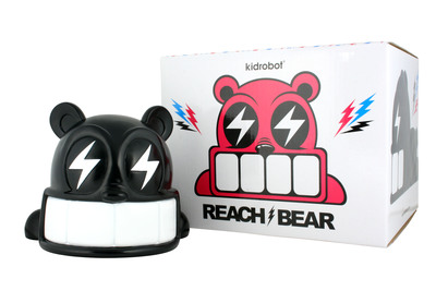Reach_bear_-_black-reach-reach_bear-kidrobot-trampt-299899m