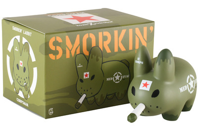 Smorkin_labbit_-_corpsman-frank_kozik-labbit-kidrobot-trampt-300168m