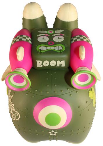 Yankee_pig_dog_-_biological_warfare_edition-frank_kozik_kronk-labbit-kidrobot-trampt-300176m