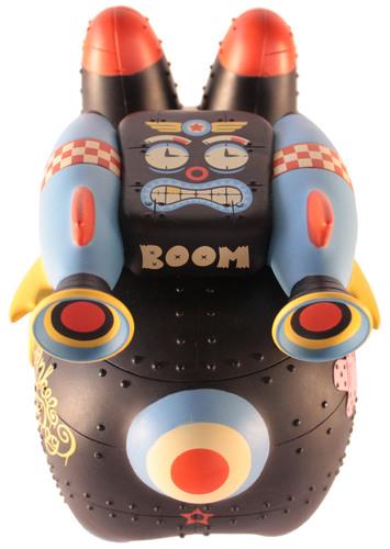 Yankee_pig_dog_labbit_-_stealth_warfare_edition-frank_kozik_kronk-labbit-kidrobot-trampt-300180m