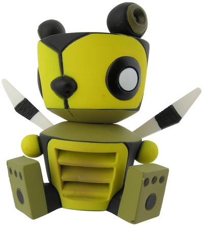 Bumble_bear-damon_soule-life_in_ventsville-kidrobot-trampt-300275m