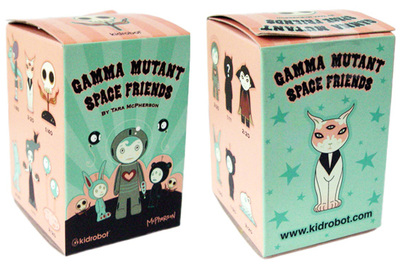 Stella-tara_mcpherson-gamma_mutant_space_friends-kidrobot-trampt-300588m