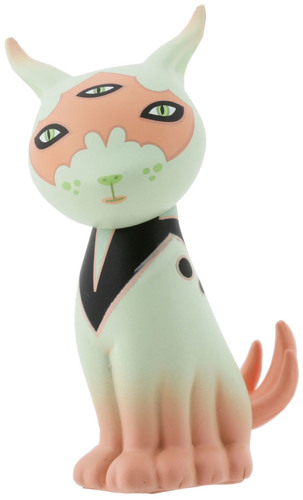 Carina-tara_mcpherson-gamma_mutant_space_friends-kidrobot-trampt-300605m