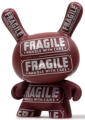 Fragile_-_handle_with_care-kidrobot_andy_warhol-dunny-kidrobot-trampt-300774m
