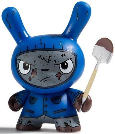 Cyrus_grave_digger_blue-the_bots_jenn_and_tony_bot-dunny-kidrobot-trampt-300927m