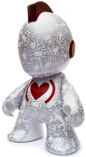 Kidrobot_x_keith_haring_red_-_white_7-keith_haring-kidrobot_mascot-kidrobot-trampt-301183m