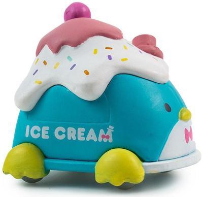 Tuxedosam_ice_cream_truck-sanrio-kidrobot_x_sanrio-kidrobot-trampt-301325m