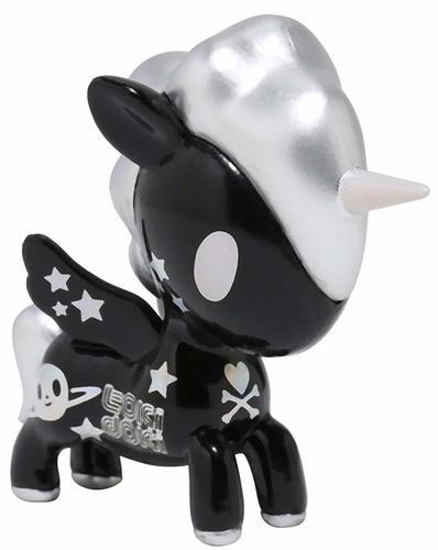 Black_cosmos_unicorno-tokidoki_simone_legno-unicorno-tokidoki-trampt-301557m