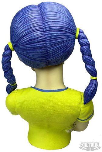 Yellow_nuclear_sue_nami-zoltron-sue_nami-bigshot_toyworks-trampt-301813m