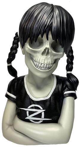 Black_angst_sue_nami-zoltron-sue_nami-bigshot_toyworks-trampt-301815m