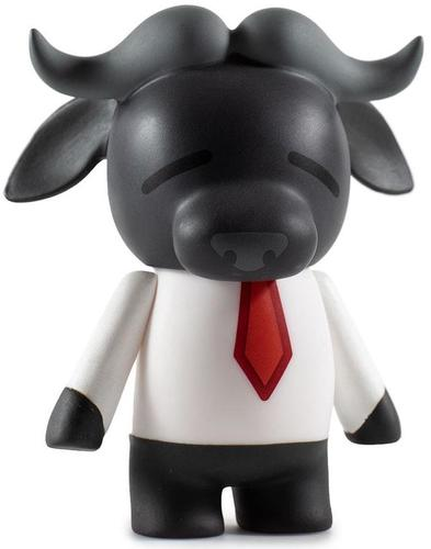 Aggretsuko__manager_buffalo-sanrio-kidrobot_x_sanrio-kidrobot-trampt-302226m