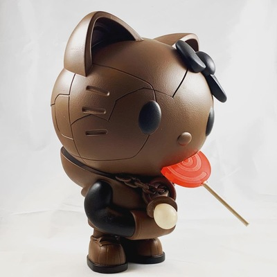 Hello_kitty_by_quiccs__wonderball_edition_le-redguardian-kidrobot_x_sanrio-trampt-302284m