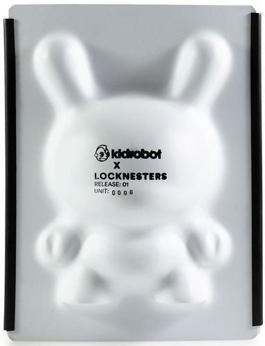 No_1__locknesters_puzzle_dunny-locknesters-dunny-kidrobot-trampt-302607m