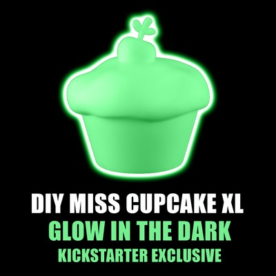 Diy_miss_cupcake_xl_glow_in_the_dark-olive47-miss_cupcake-discordia_merchandising-trampt-302719m