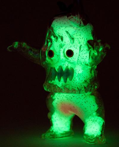 Glow_guts_glitter_ugly_unicorn-rampage_toys_jon_malmstedt-ugly_unicorn-trampt-302910m